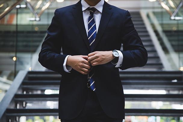 Vestir el traje del cliente para vivir sus problemas